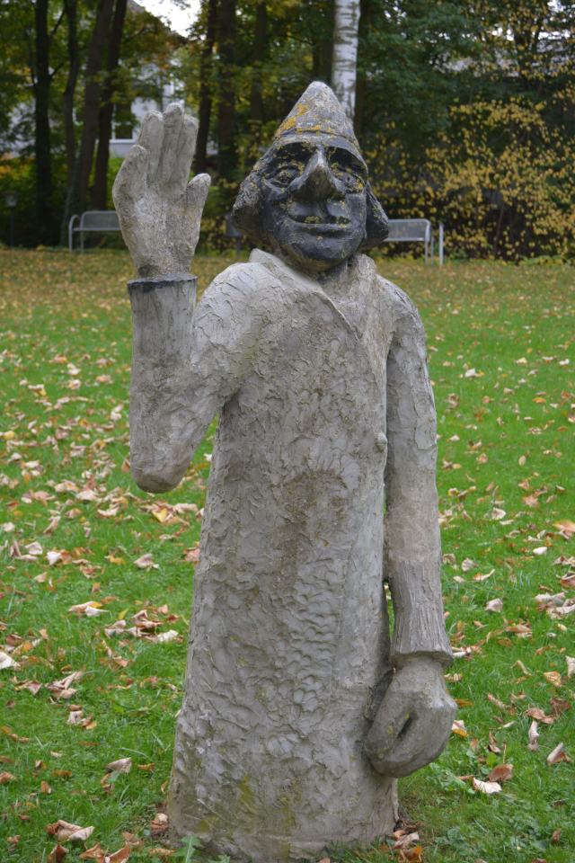 A modernized statue of Father Kneipp in Bad Camberg's Kurpark